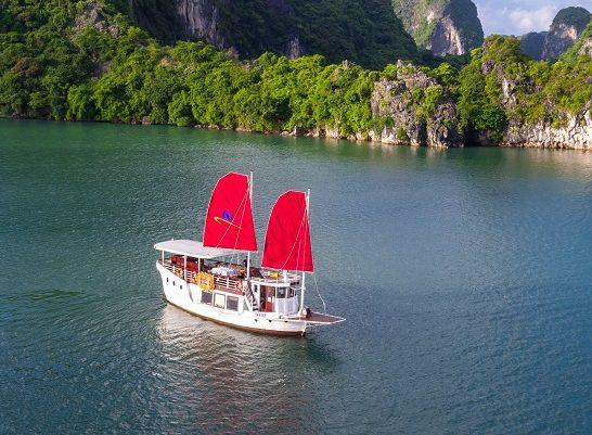 Amazing Sails - Explorer Private Day Tour